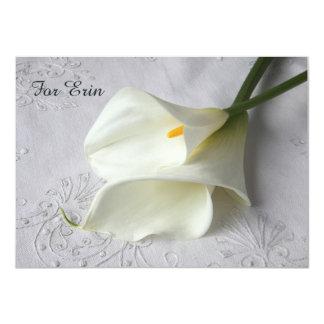 Cartão Lírios de calla brancos no linho