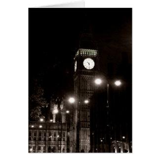 Cartão Londres em a noite