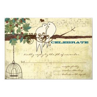 Cartão Lovebird da pomba da música que senta-se em uma