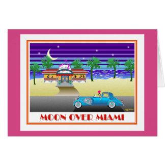 Cartão Lua sobre o rosa de Miami