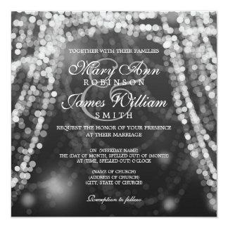 Cartão Luzes elegantes da corda da prata do casamento