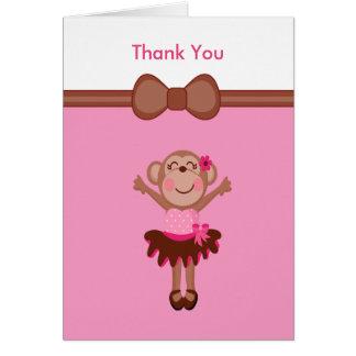 Cartão Macaco bonito, cor-de-rosa no obrigado da menina