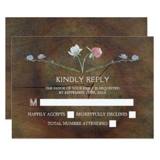 Cartão Madeira de carvalho do Wildflower que Wedding RSVP