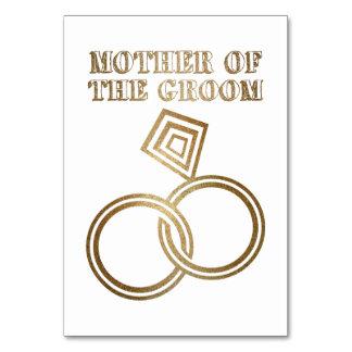 Cartão Mãe dos anéis de ouro românticos do noivo que