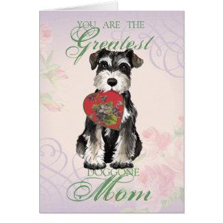 Cartão Mamã do coração do Schnauzer diminuto
