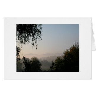 Cartão Manhã nas montanhas