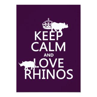 Cartão Mantenha a calma e ame Rhinos (alguma cor do
