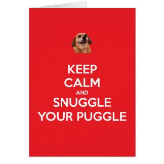 Cartão Mantenha a calma e Snuggle seu Natal do vermelho