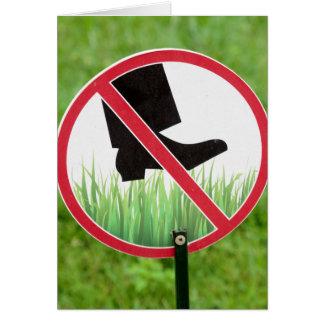 Cartão Mantenha do sinal da grama