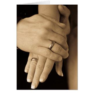 Cartão Mãos do Newlywed, parabéns