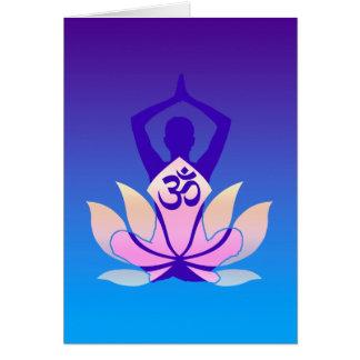 Cartão Matiz do roxo da pose da ioga do OM Lotus