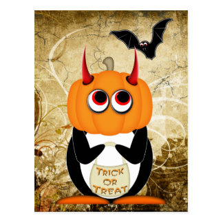 Cartão mau do Dia das Bruxas do pinguim