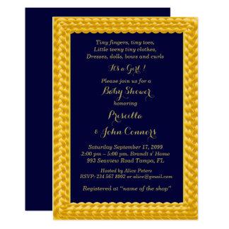 Cartão Menina do chá de fraldas do convite, ouro