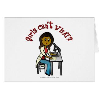 Cartão Menina escura do cientista