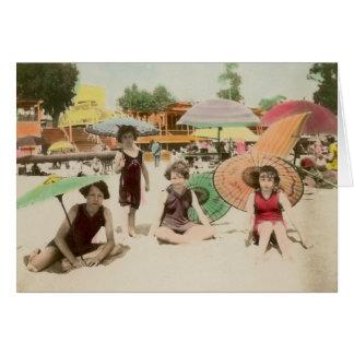 Cartão Meninas do passeio à beira mar