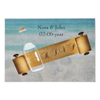 Cartão Mensagem em um casamento de praia da garrafa
