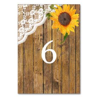 Cartão Mesa floral de madeira do casamento do laço do