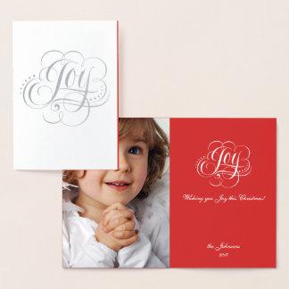 Cartão Metalizado Alegria à caligrafia vermelha do Natal da prata do