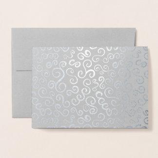 Cartão Metalizado Curvas da folha de prata no cinza