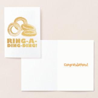 Cartão Metalizado Noivado Congrats dos anéis de cebola de