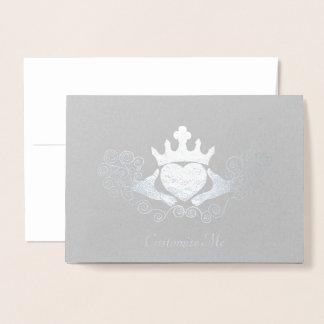 Cartão Metalizado O Claddagh (prateado)