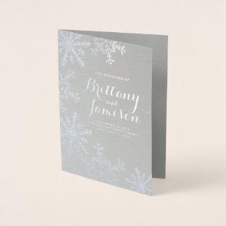Cartão Metalizado Programa do casamento no inverno dos flocos de