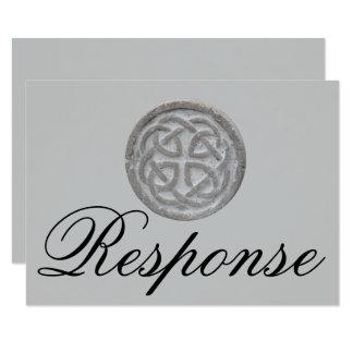 Cartão minimalista do nó celta rústico RSVP