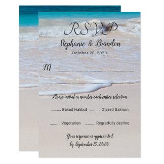 Cartão Modelo vertical do menu RSVP da cena da praia