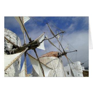 Cartão Moinhos de vento velhos Olympos Karpathos, piscina
