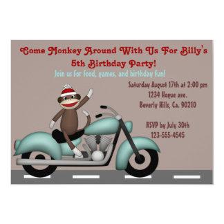 Cartão Monkey ao redor o aniversário da motocicleta