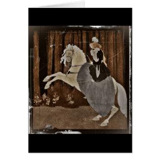 Cartão Montando um cavalo na floresta