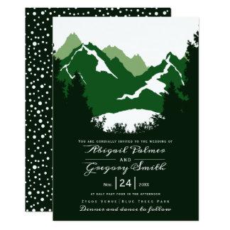 Cartão Montanhas verdes e árvores das coníferas que