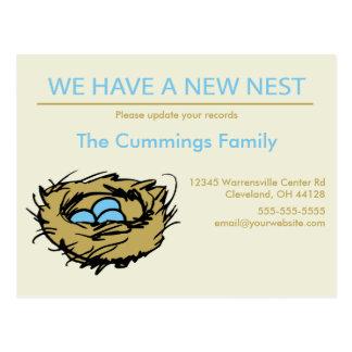 Cartão movente do anúncio do ninho novo