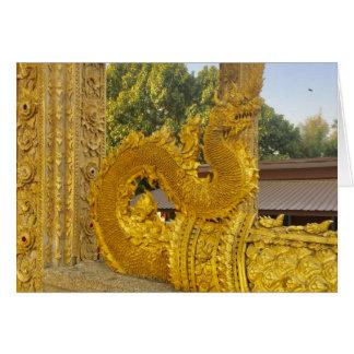 Cartão Naga dourado em Chiang Mai, Tailândia