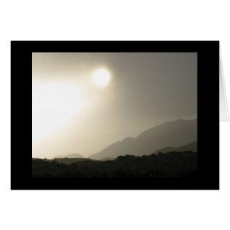 Cartão Nascer do sol no deserto alto