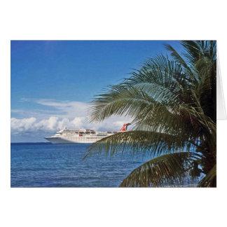 Cartão Navio de cruzeiros do carnaval entrado na ilha de