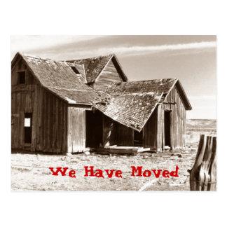 Cartão nós movemos a casa desorganizado da casa da