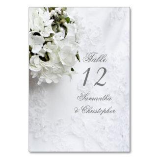 Cartão Número branco da mesa do casamento do buquê floral