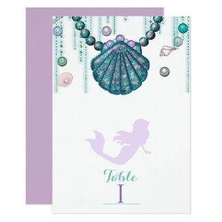 Cartão Número roxo da mesa da festa de aniversário da