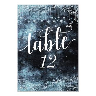 Cartão Números golpeados estrela da mesa do casamento do