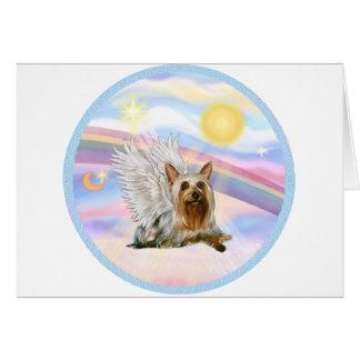 Cartão Nuvens - anjo de Terrier de seda (que se encontra
