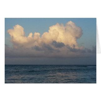 Cartão Nuvens no mar