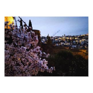 Cartão O Albayzin de Granada visto da amêndoa do Alhambra