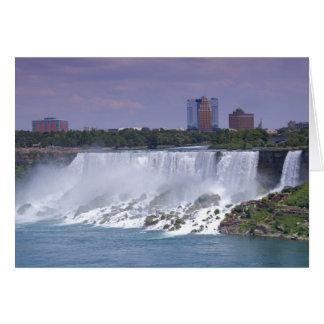 Cartão O americano cai no parque estadual de Niagara