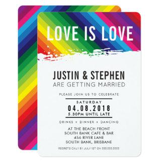 Cartão O AMOR É curso da escova das cores do arco-íris do