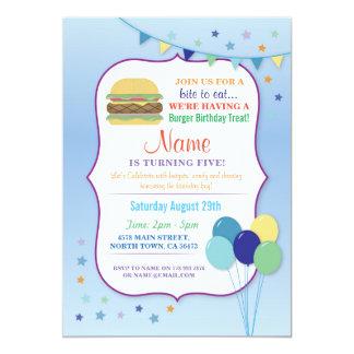 Cartão O aniversário azul do balão da festa de