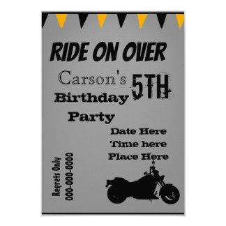 Cartão O aniversário da motocicleta convida
