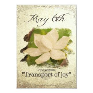 """Cartão O aniversário floresce o 6 de maio de """"o jasmim"""