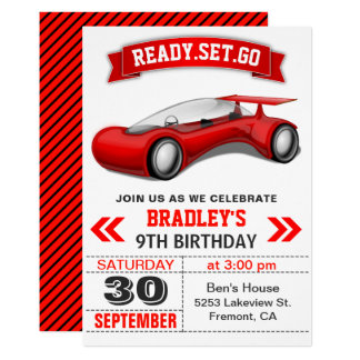 Cartão O aniversário moderno vermelho futurista do carro