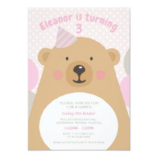 Cartão O aniversário peluches bonito do urso de ursinho